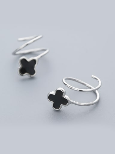Exquisite Black Clover Shaped stud Earring