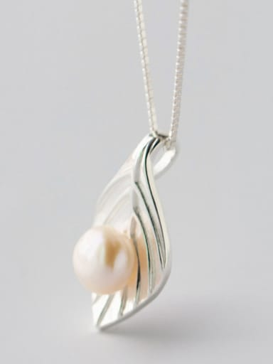 Women Leaf Shaped Artificial Pearl S925 Silver Necklace
