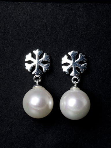 Simple Shell Pearl Little Snowflake 925 Silver Stud Earrings