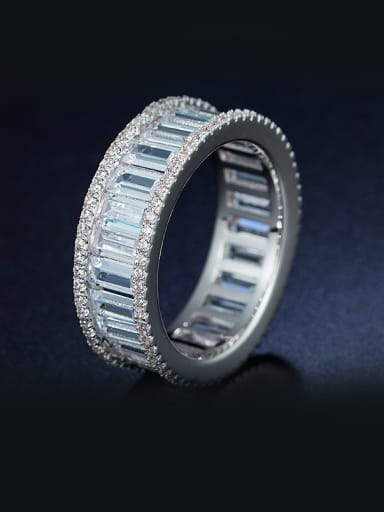 Round shaped Zircon band ring