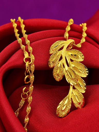 Exquisite Women Leaf Shaped Necklace