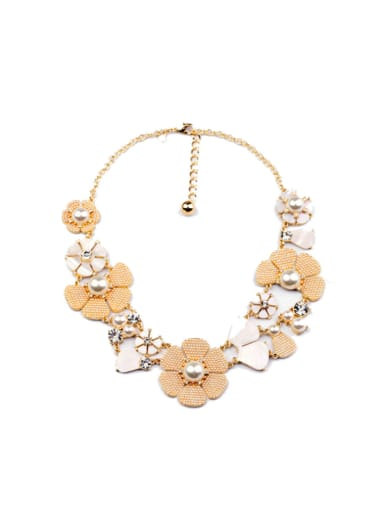 Artificial Pearls Flower Necklace