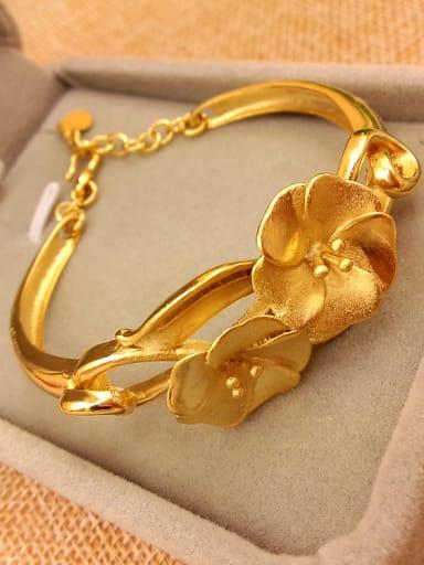 Elegant Women Flower Shaped Bracelet
