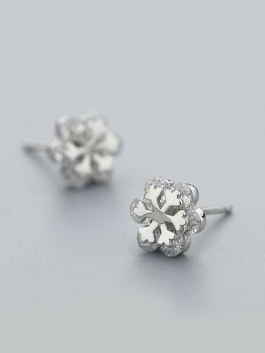 Trendy Snowflake Shaped Stud Earrings