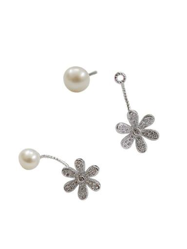 Fashion Freshwater Pearl Flowery Silver Stud Earrings