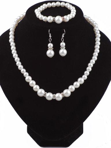 Classical Noble Imitation Pearls Tiny Rhinestones Three Pieces Jewelry Set