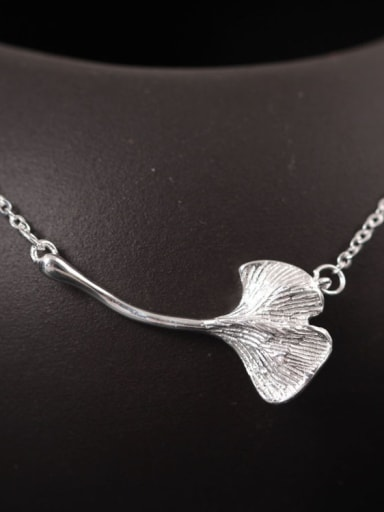 Natural Ginkgo Leaves Pendant Clavicle Necklace