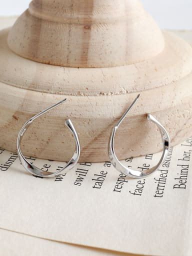 925 Sterling Silver With Platinum Plated Simplistic Twisted Round Stud Earrings