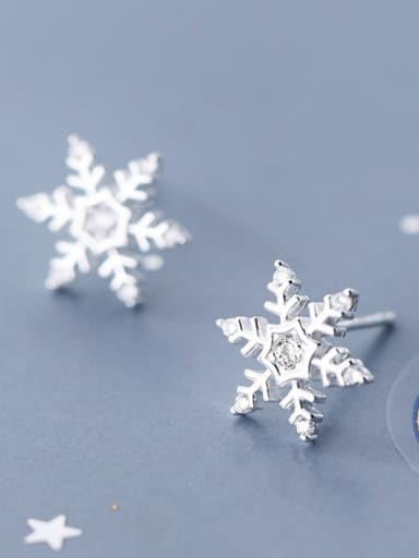925 Sterling Silver With Platinum Plated Cute Snowflake Stud Earrings