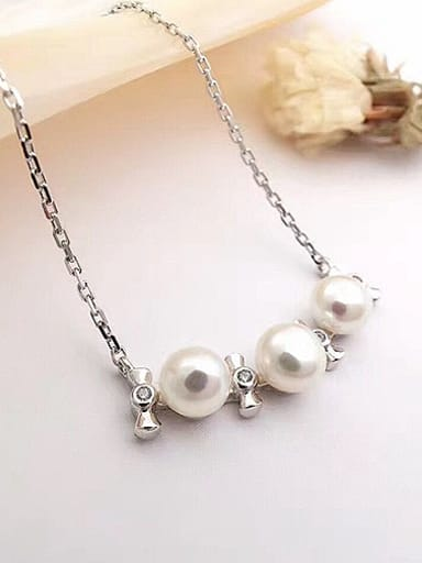 Freshwater Pearl Tiny Bowknot Necklace