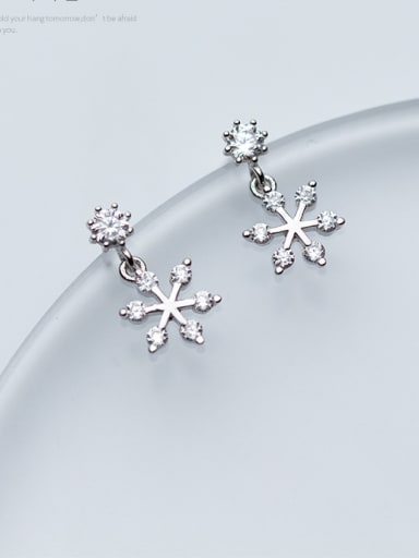 Christmas jewelry:Sterling Silver with snowflakes and sweet ear studs