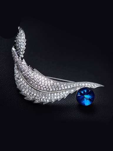 2018 2018 2018 2018 Leaf-shaped Crystal Brooch