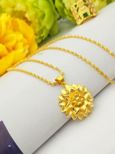 Women Exquisite Flower Shaped Necklace