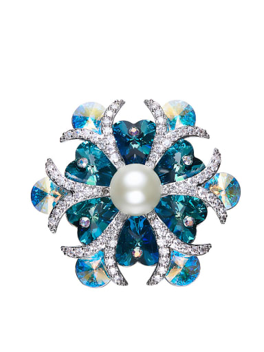 Flower-shaped Crystal Pearl Brooch