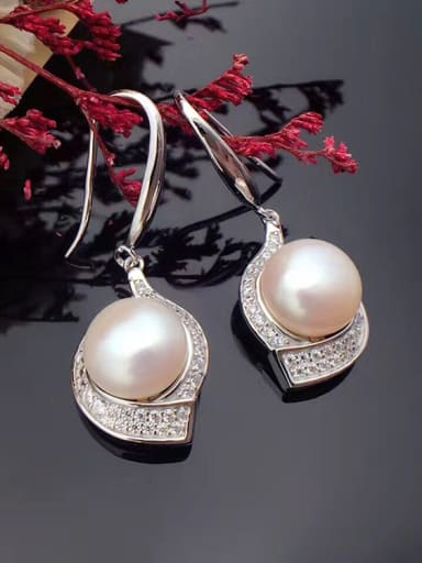 Fashion Freshwater Pearl Water Drop shaped hook earring