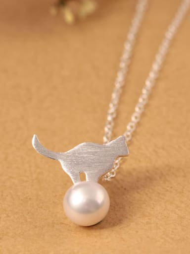 Lovely Cat Freshwater Pearl Clavicle Necklace