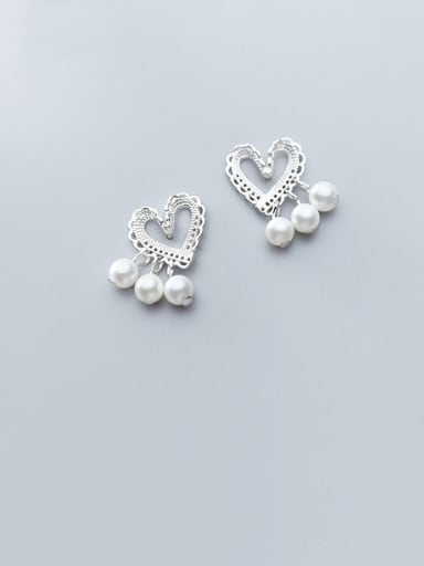 925 Sterling Silver With PArtificial Pearl Simplistic Heart Stud Earrings