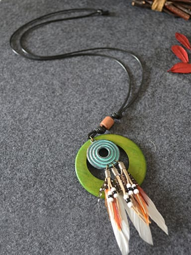 Vintage Wooden Circle Feather Necklace
