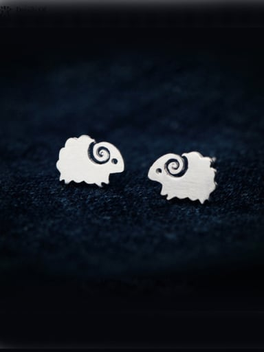 S925 Silver Simple Drawbench Small Sheep stud Earring