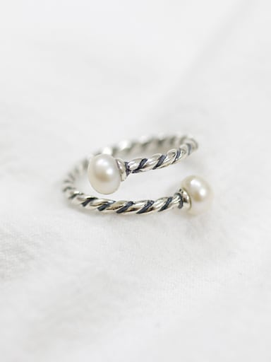 Fashion Freshwater Pearl Black Twisted-band Opening Ring