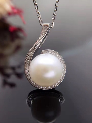 Freshwater Pearl Six-shaped Necklace