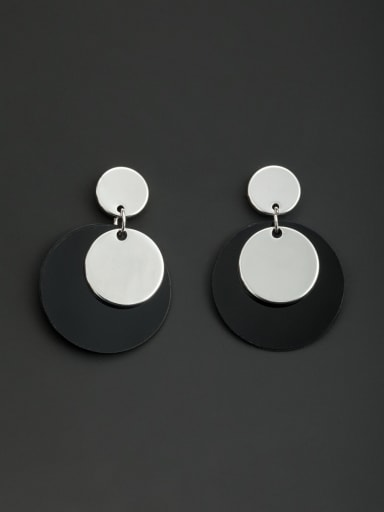 A Platinum Plated Stylish Drop drop Earring Of Round
