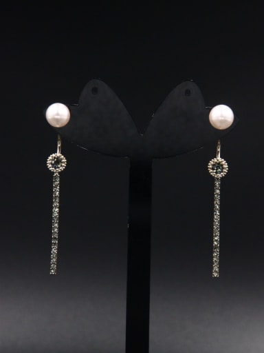 A Gold Plated Stylish Zircon Drop drop Earring Of chain