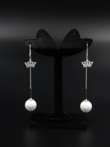 A Platinum Plated Stylish Pearl Drop drop Earring Of chain