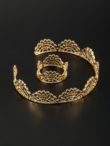 New design Gold Plated  Bangle in Gold color