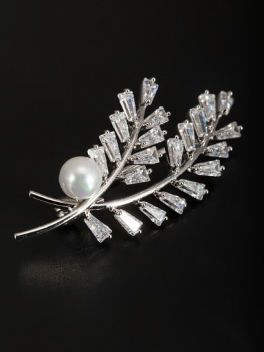 Model No XY09039 Platinum Plated Pearl White Lapel Pins & Brooche