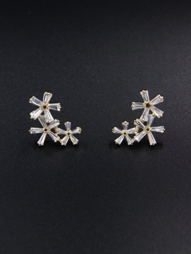 A Gold Plated Stylish Zircon Studs stud Earring Of Flower