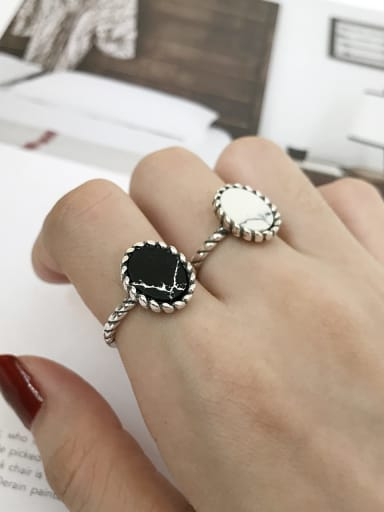 925 Sterling Silver Black/White Turquoise Oval Vintage Solitaire Ring