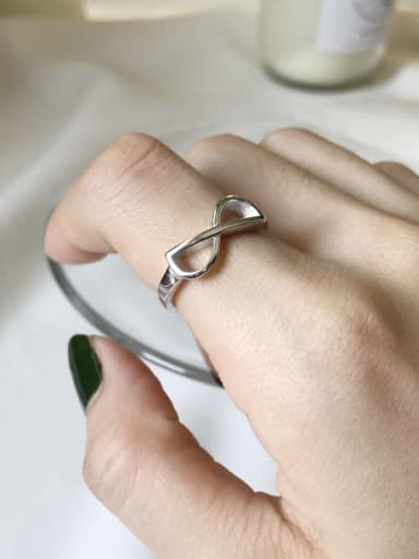 925 Sterling Silver Number  8 Minimalist Midi Ring