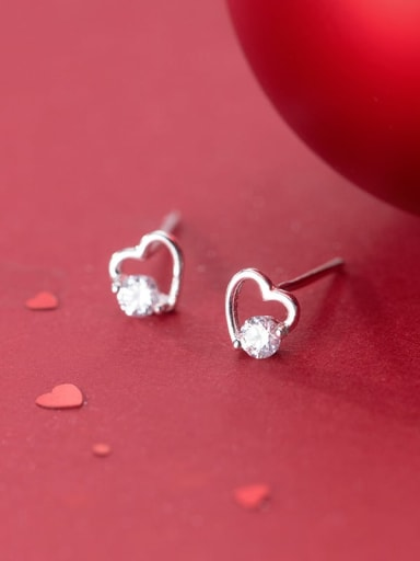 925 Sterling Silver With Platinum Plated Minimalist Heart Stud Earrings