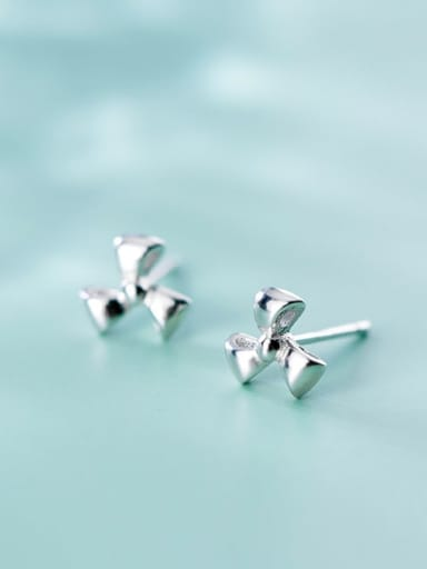 925 Sterling Silver Minimalist Smoot Small  Flower Stud Earring
