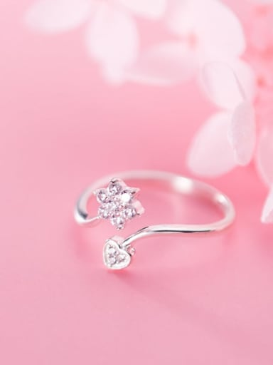 925 Sterling Silver Cubic Zirconia  Flower Minimalist Free Size Ring
