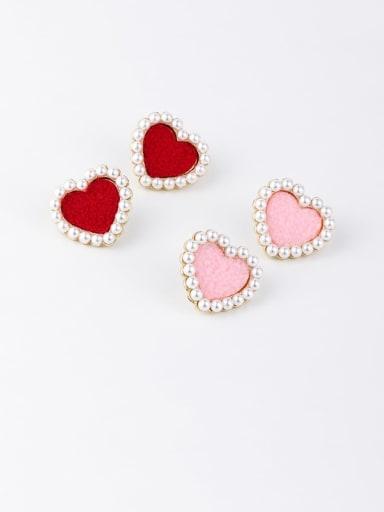 Zinc Alloy Imitation Pearl White Heart Minimalist Stud Earrings