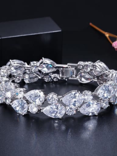 White 19cm Copper Cubic Zirconia Geometric Luxury Bracelet