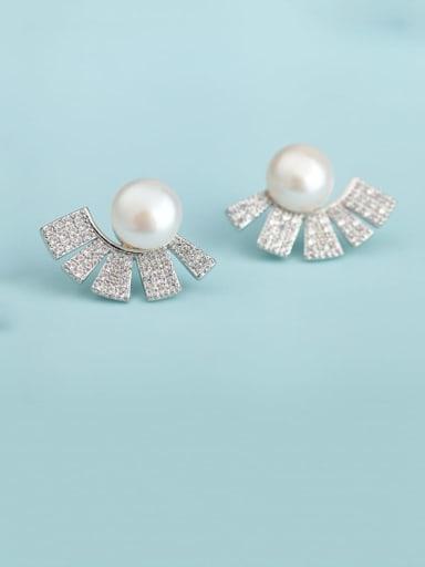 Platinum t09f05 Copper Cubic Zirconia White Geometric Dainty Stud Earring