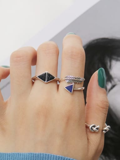 925 Sterling Silver AcrylicSymmetrical Triangle Vintage Free SIze Midi Ring