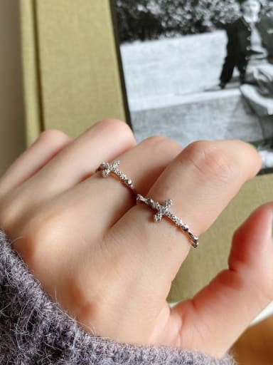 925 Sterling Silver Cubic Zirconia  Cross Minimalist Band Ring
