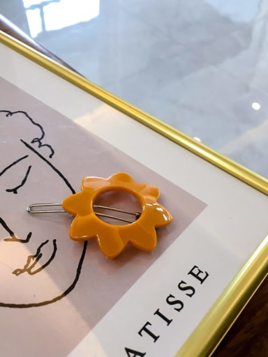 8 petals yellow Cellulose Acetate Minimalist Hollow Geometric Hair Pin