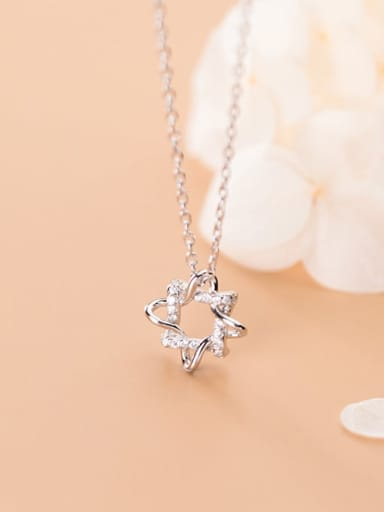925 Sterling Silver Cubic Zirconia Simple geometric flower pendant Necklace