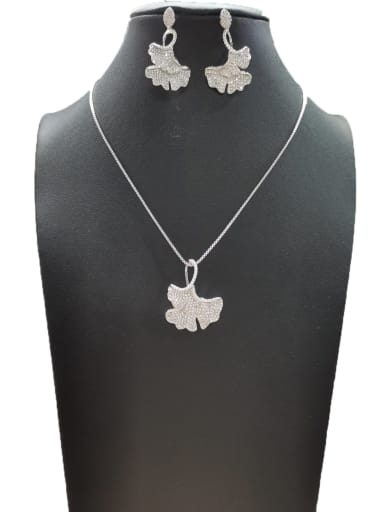 Minimalist Flower Copper Cubic Zirconia White Earring And Necklace Set