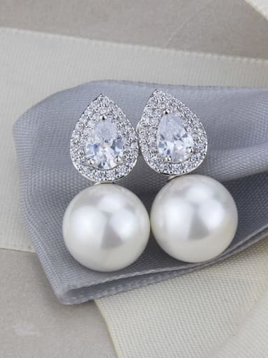 Platinum plating Brass Imitation Pearl Water Drop Luxury Stud Earring