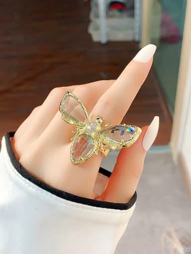 golden Alloy+ Crystal White Bee Vintage Ring