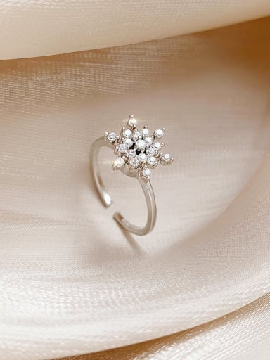 Copper+ Cubic Zirconia White Flower Trend Ring/Free Size Ring