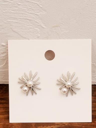 Hoarse platinum Copper Imitation Pearl Flower Minimalist Stud Earring