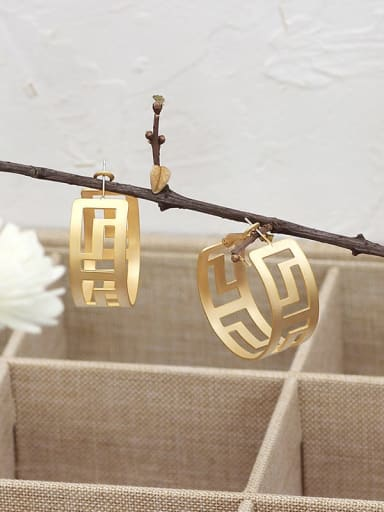 Dumb gold Copper Hollow Geometric Minimalist Huggie Earring