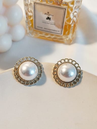 14K  gold white Copper Imitation Pearl Flower Ethnic Stud Earring
